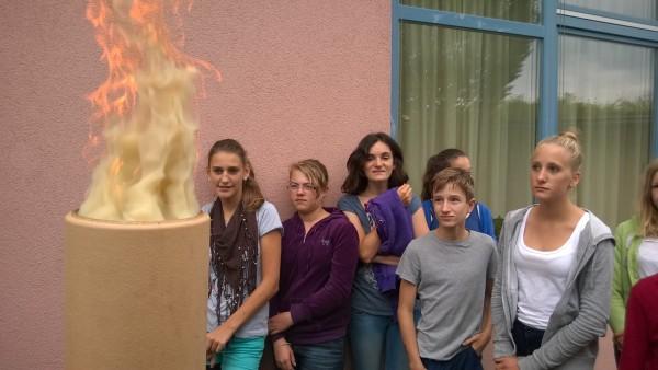 """Wir bewundern das Zusammenspiel von Flammen und Rauch - jeder beschreibt es als """"Tanz""""."""